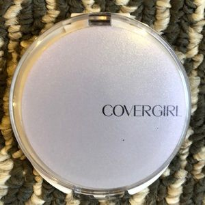 Other - Covergirl advanced radiant face powder